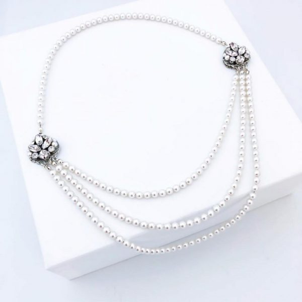 necklast to compliment wedding gown