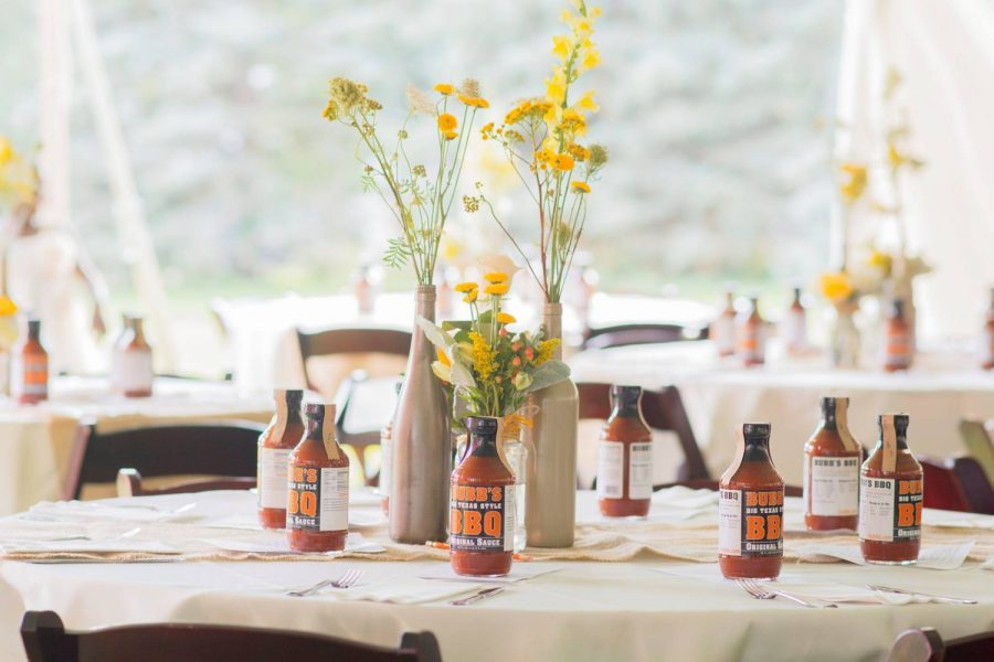 Bubbs BBQ sauce as wedding favors