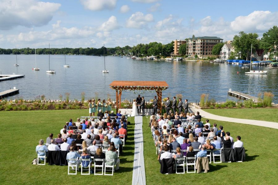 Outside Wedding ceremony at the Oconomowoc Community Center overlook Lac la Belle