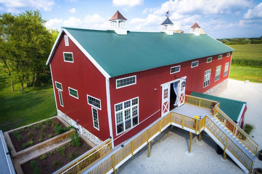 The Cupola- A Red barn wedding venue in Oconomowoc, WI