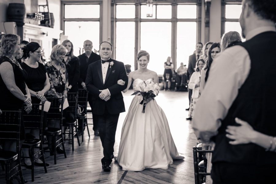 Milwaukee Wedding ceremony - Image by Cream City Weddings