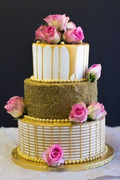 Beautiful and modern decorated wedding cake