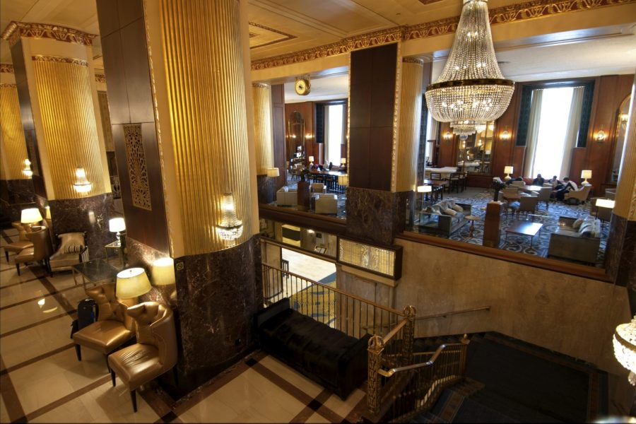 Image of inside lobby area of the Historic Hilton in downtown Milwaukee