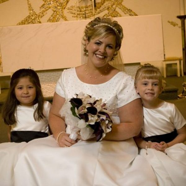 Bride with flowers girls that had makeup done by Tammy Ehrett of Mary Kay Cosmetics