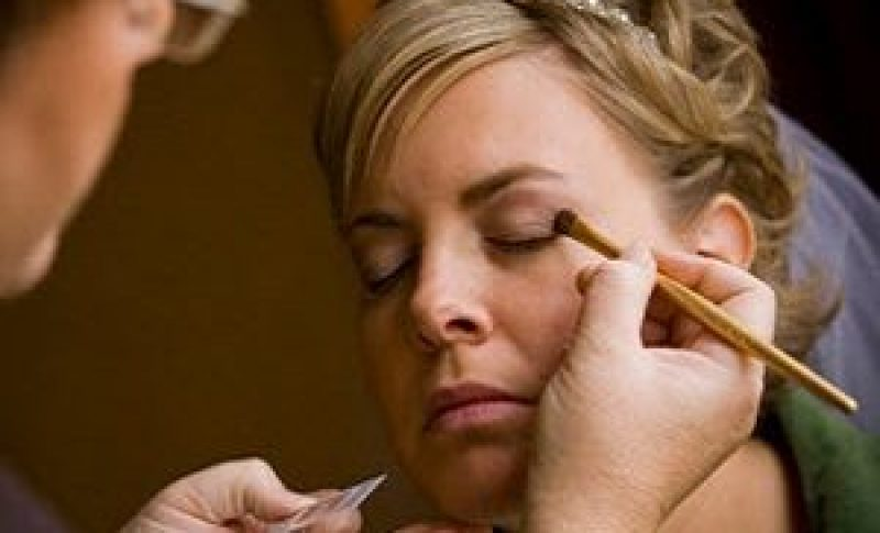 Makeup being applied to bridal by Tammy Ehrett of Mary Kay Cosmetics