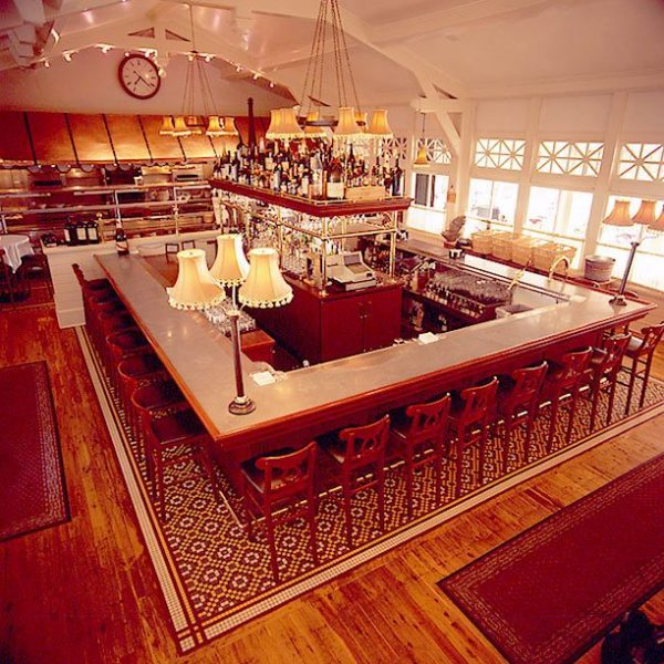 The bar area at Lake Park Bistro