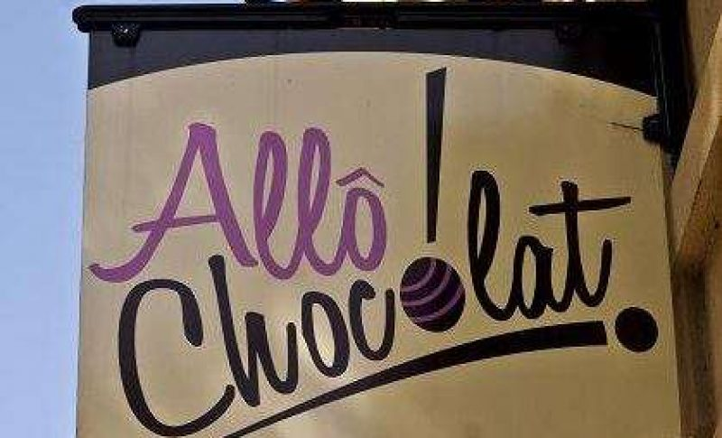 Allô! Chocolat table favors to wow your wedding guests