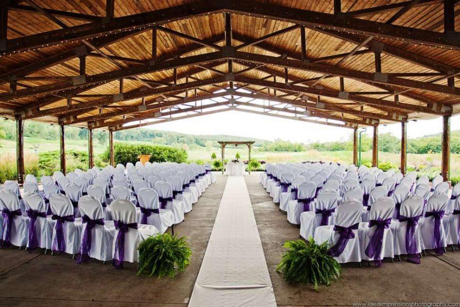 Hawk's View Golf Club outdoor wedding ceremony set-up