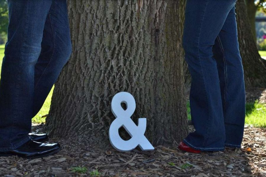 Cute wedding video or picture idea using ampersand sign