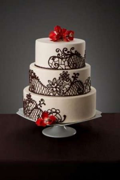 Simma's Bakery Black and White Wedding Cake