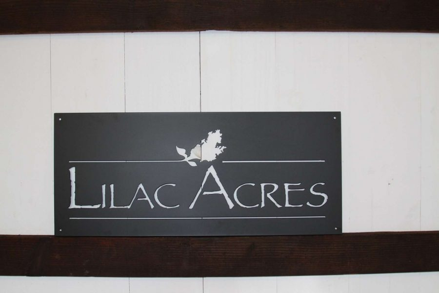 Lilac Acres sign