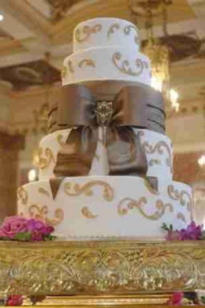 Simma's Bow Cake