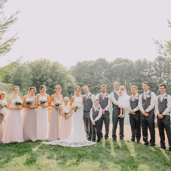 Summer wedding party poses