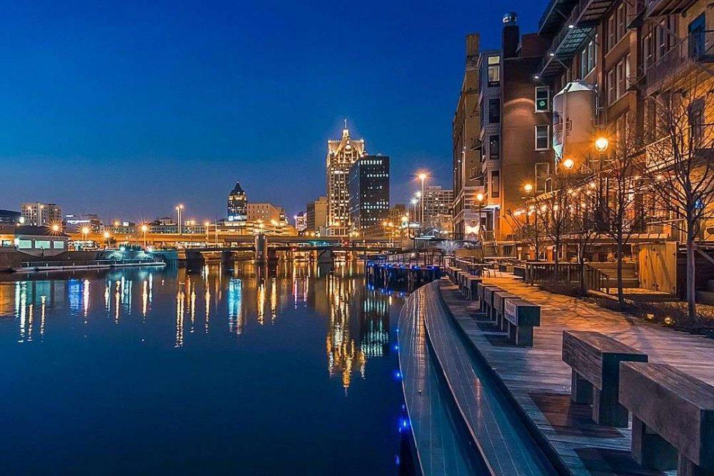 Milwaukee downtown riverwalk