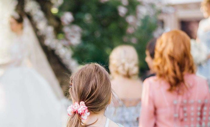 9 Wedding Guest Etiquette Rules to Live By