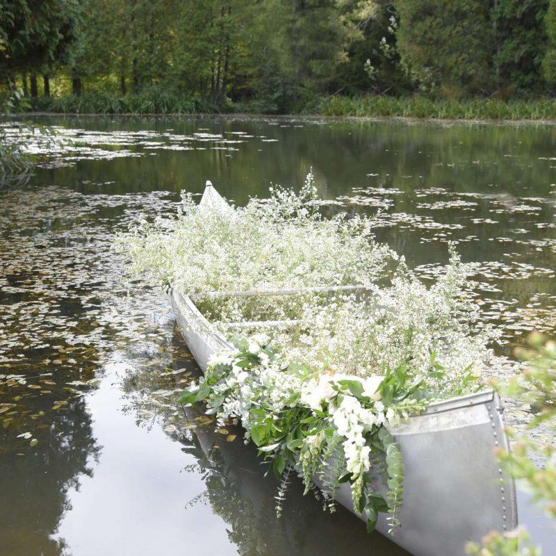 flower-wedding-boat