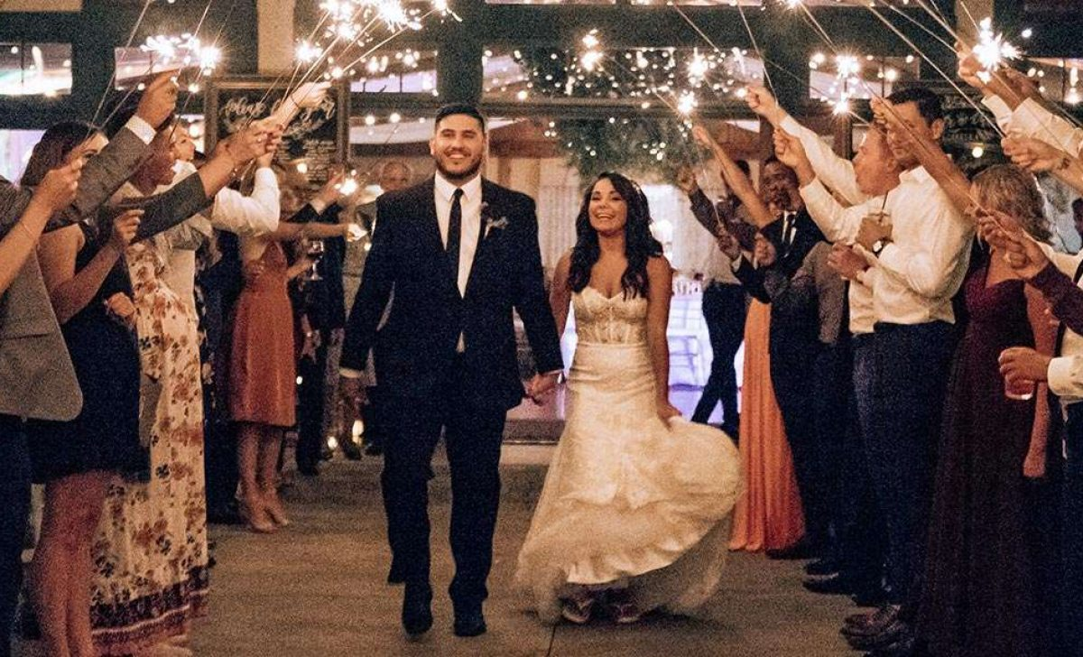 Alia and Eric get married at Hawks View Golf Club