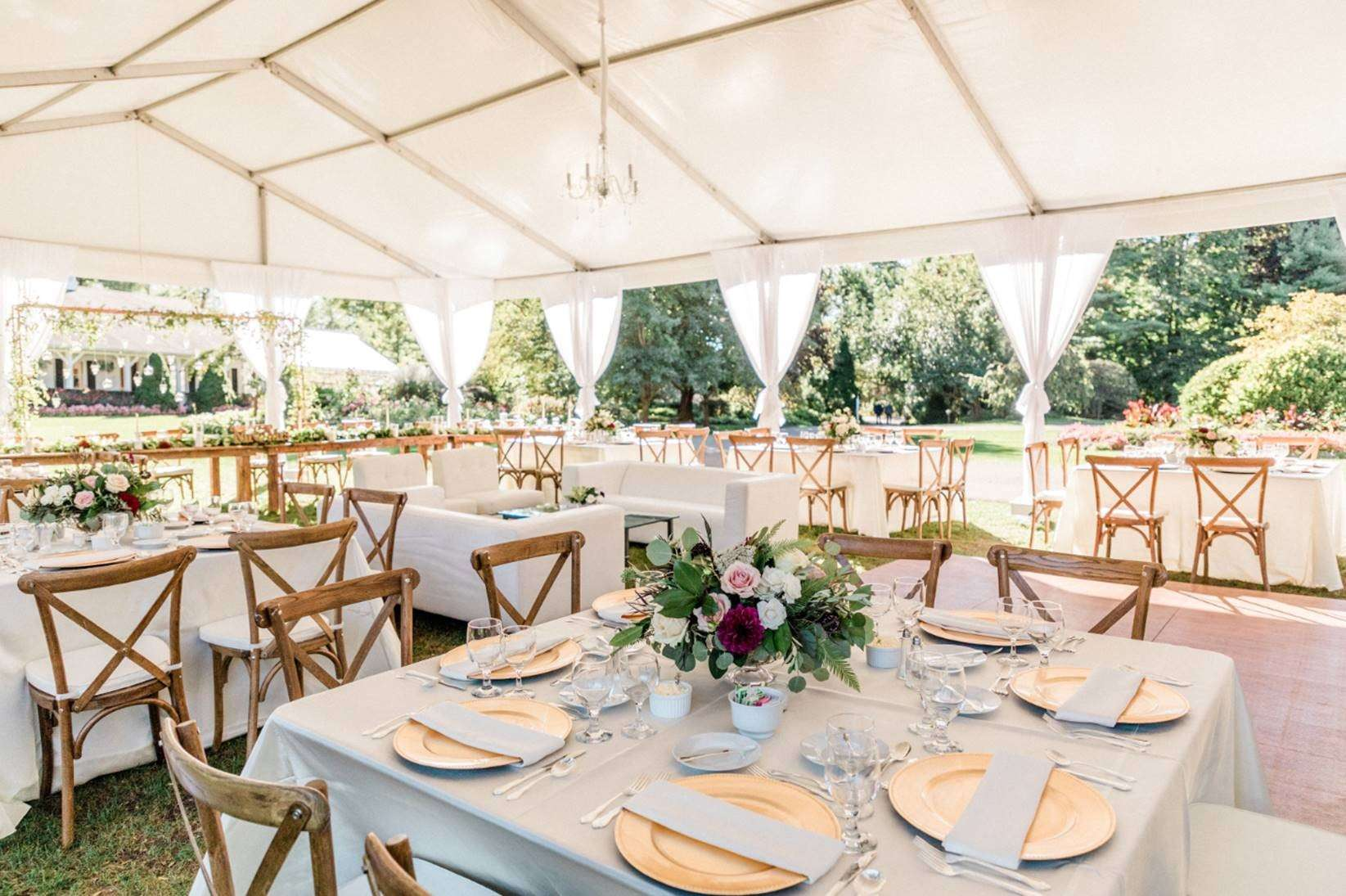 outdoor wedding by well dressed tables milwuakee